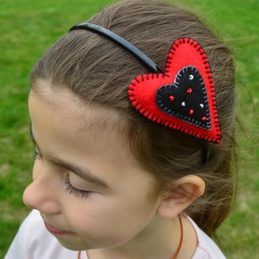 Srdiečková čelenka červená&čierna