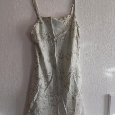 lanové šaty