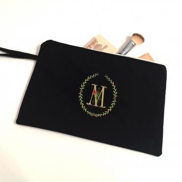 Kozmetická taštička s monogramom